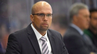 Head Coach Mike Yeo